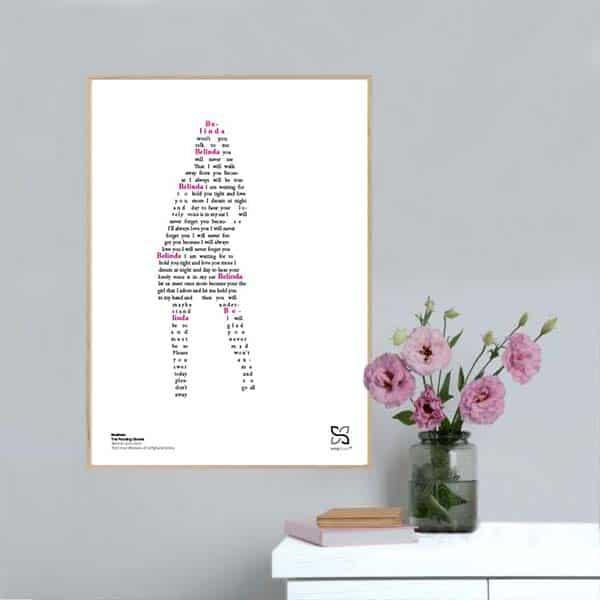 """Plakat med sangteksten til The Rocking Ghosts' """"Belinda"""" opsat i grafisk form, så teksten danner et billede af en kvinde."""