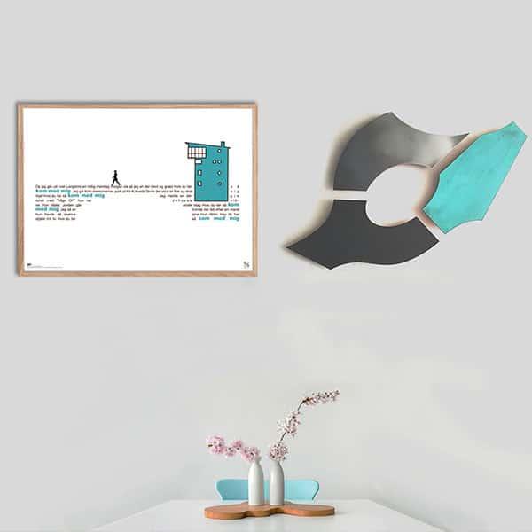 "Dekorativ plakat med Kim Larsens tekst ""Langebro"" opsat i grafisk form, som danner en bro."
