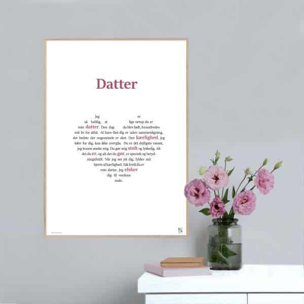 Grafisk plakat med en tekst, der hylder din Datter